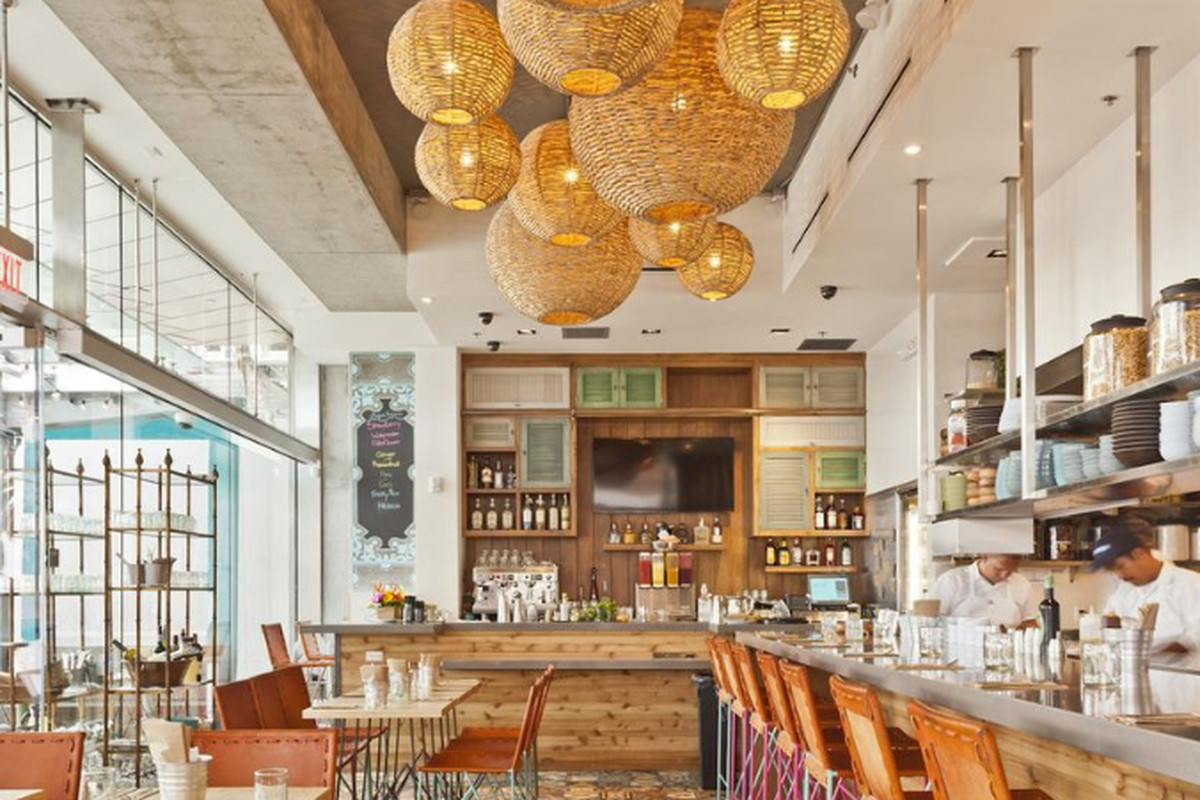 A new entrant takes over the former blue plate oysterette