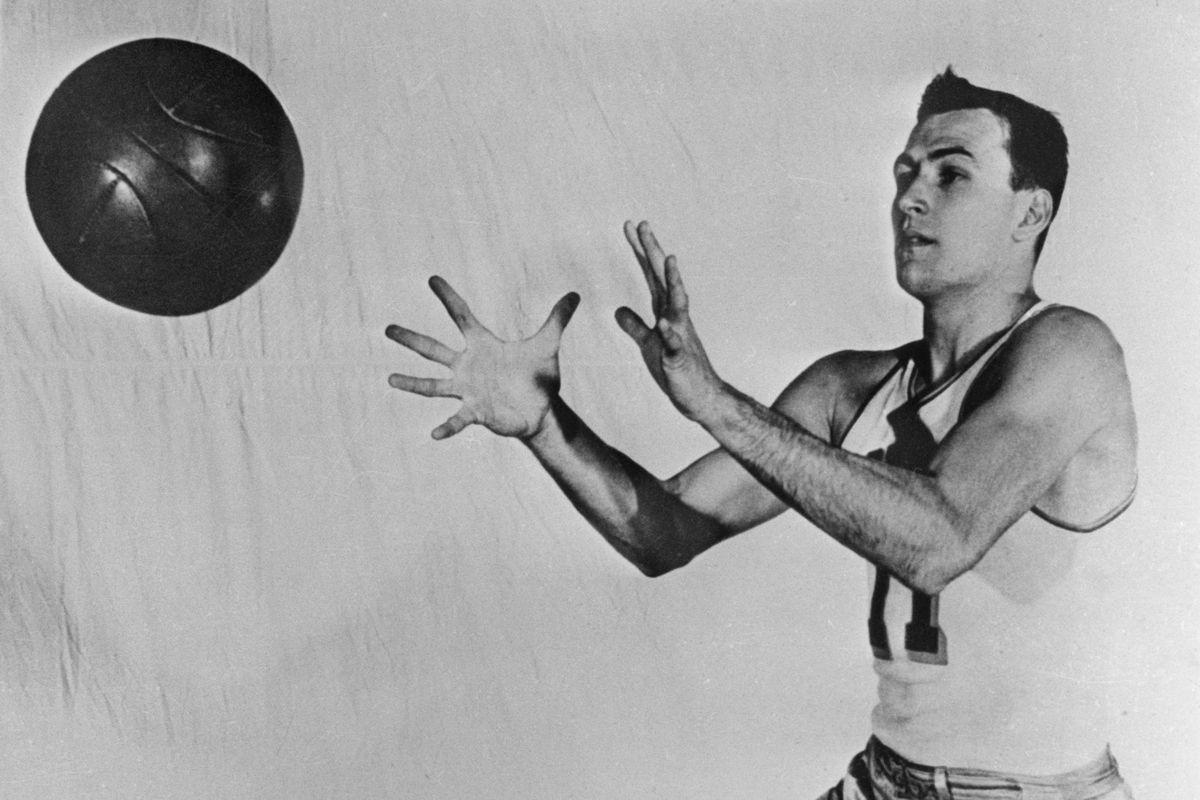 Paul Arizin Catching a Basketball
