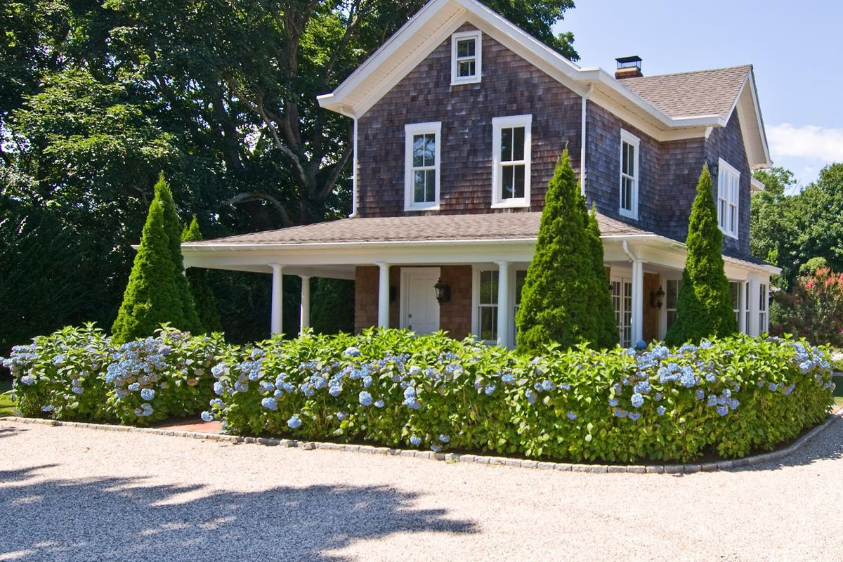 Hamptons homes for sale along the s92 bus route curbed for Hamptons home for sale