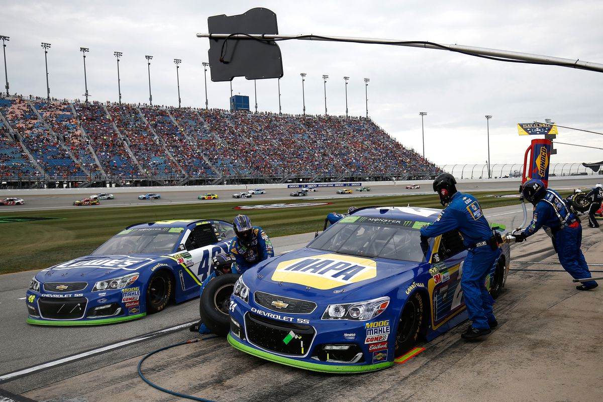 Chase Elliott, Hendrick Motorsports penalized for aerodyanmics infraction