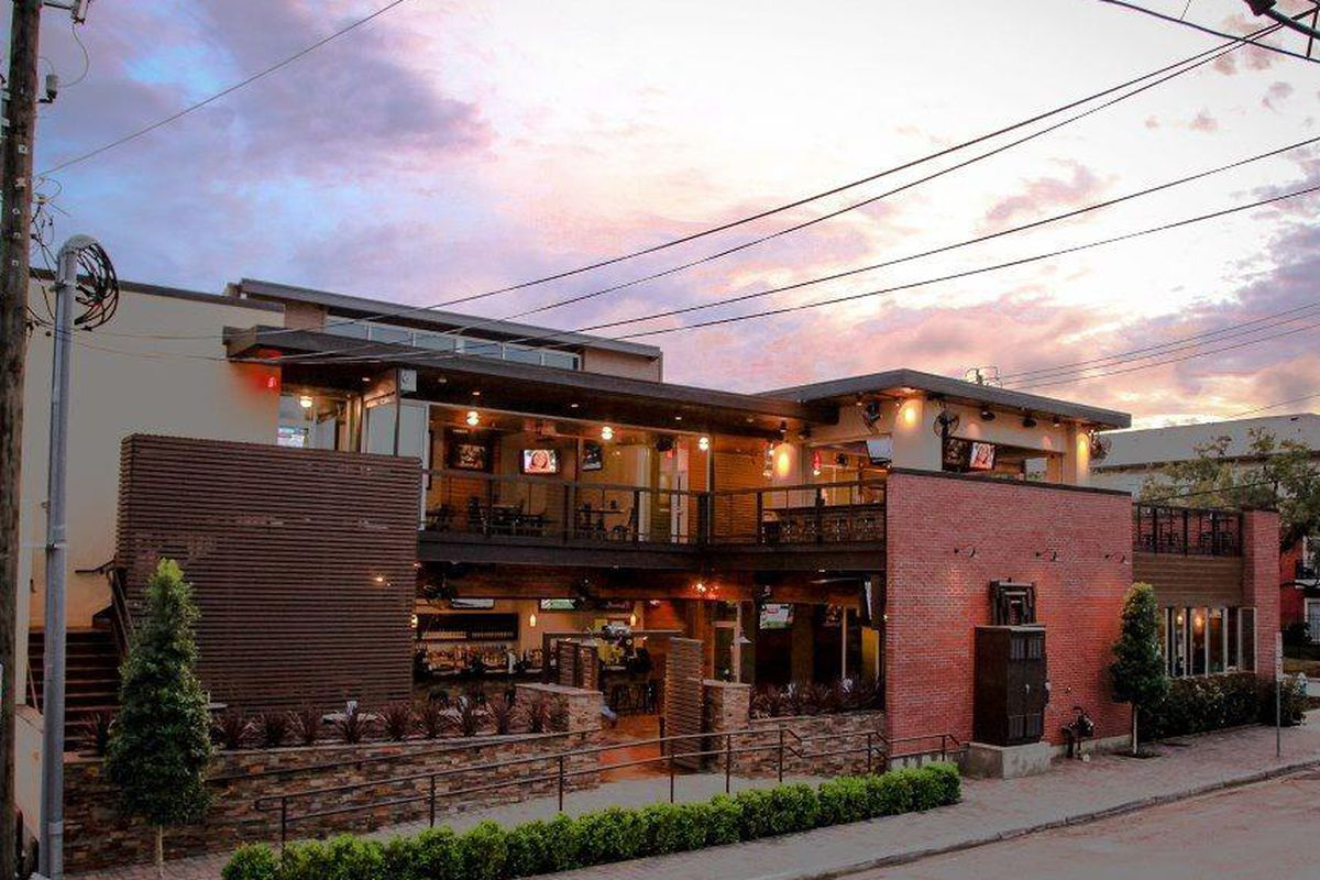 Patio Bar Dogwood Now Open In Midtown Eater Houston