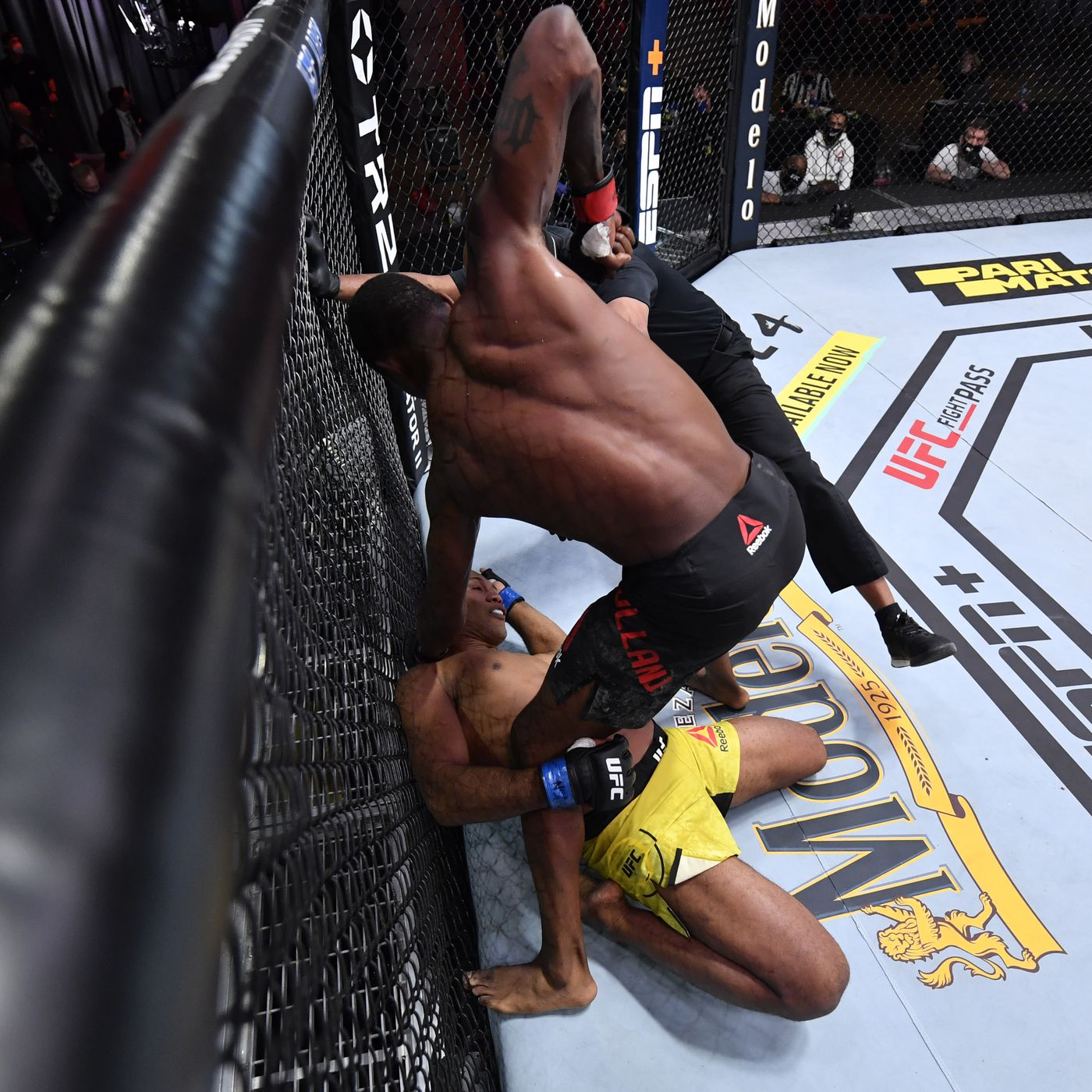 Ufc 256 Results Kevin Holland Earns Highlight Reel Knockout Against Jacare Souza Calls Out Khamzat Chimaev Mma Fighting