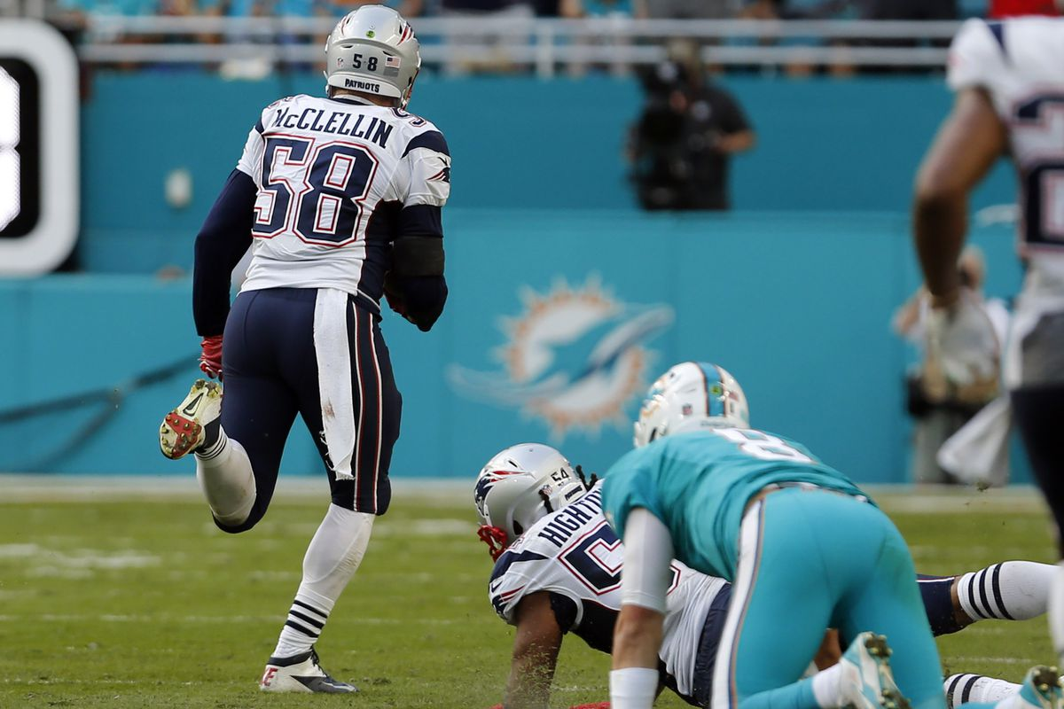 Shea McClellin takes off with the fumble recovery