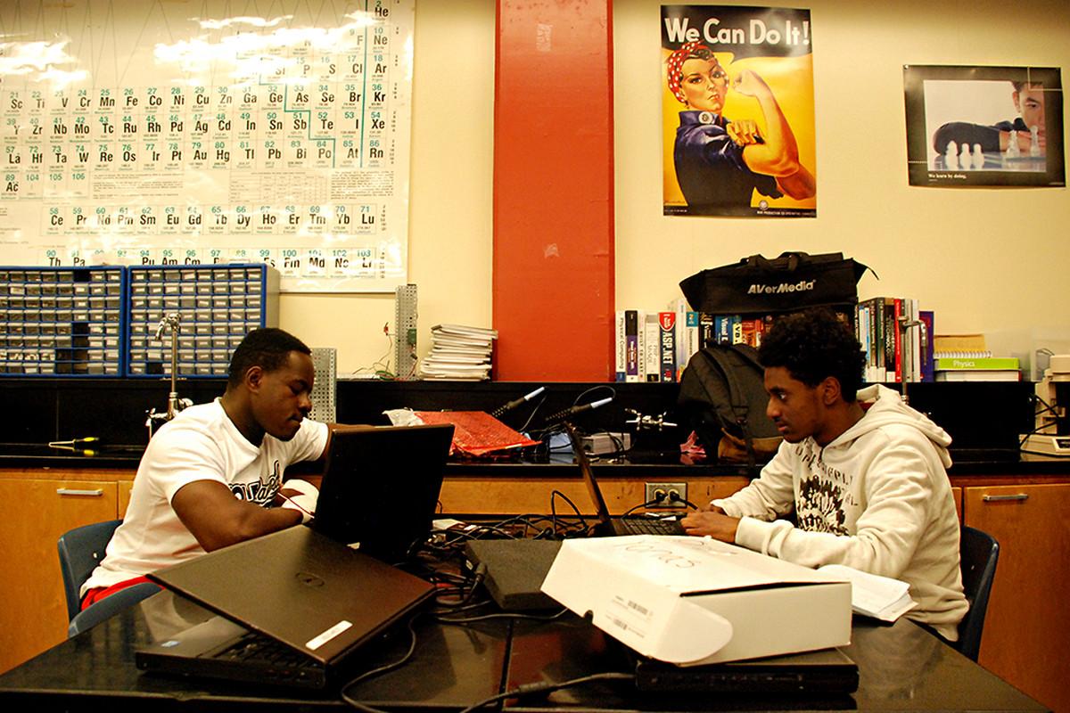 Aurora Rangeview High School