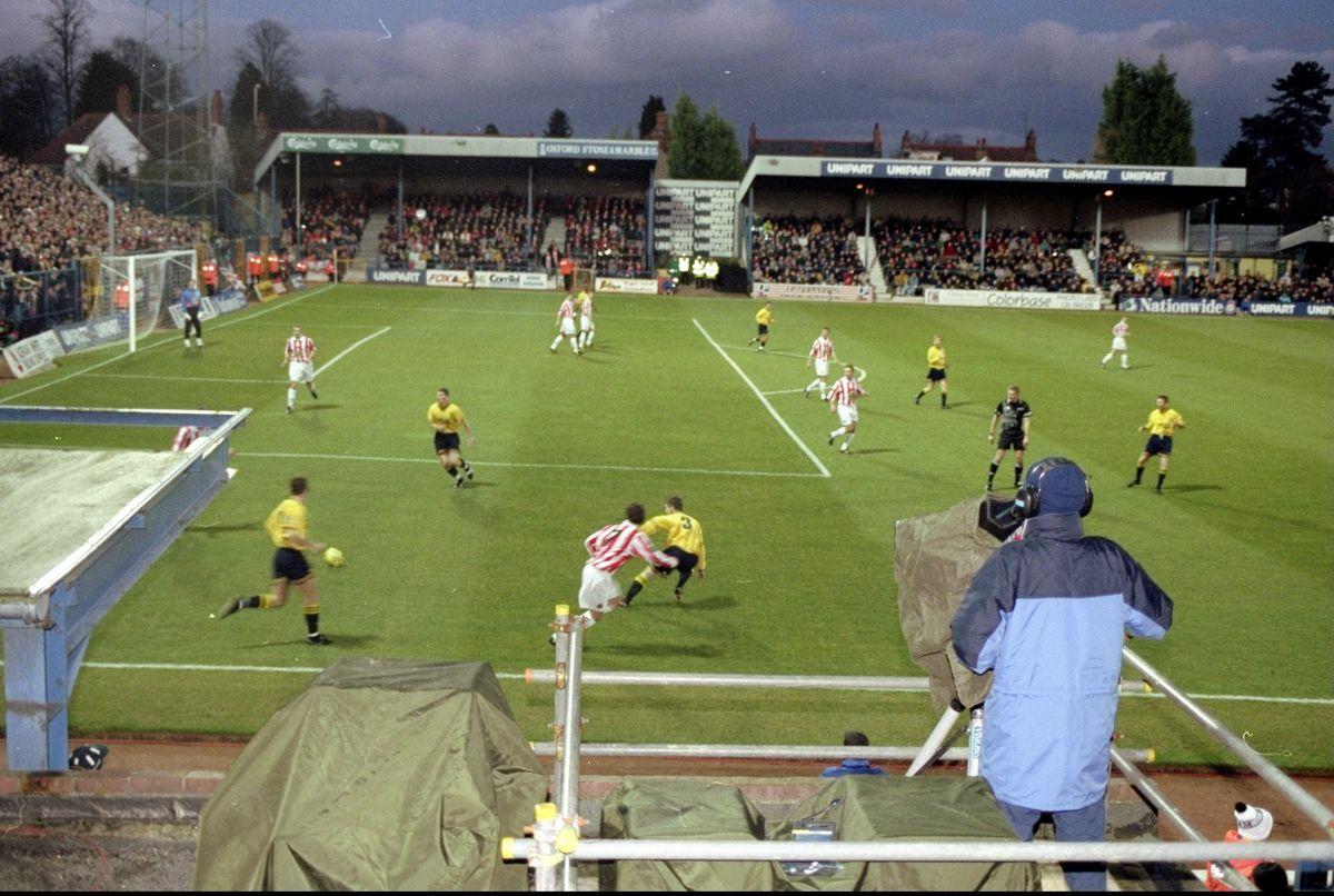 Oxford v Sunderland general view