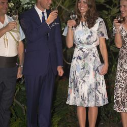 Visiting the home of the British High Commissioner to Singapore on September 13th, 2012 in an Erdem dress and L.K. Bennett nude heels.