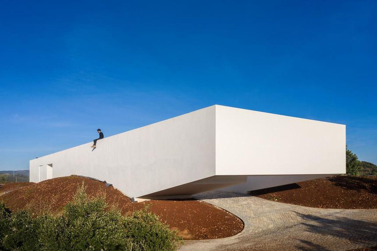 . White modern house plays up the angles   Curbed