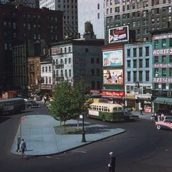 """Horse Shoe Restaurant, Peter Minuit Plaza, Photo by Charles W. Cushman, 1960, From the Charles W. Cushman Photograph Collection [<a href=""""http://webapp1.dlib.indiana.edu/cushman/results/detail.do?query=subject%3A%22Restaurants%22+AND+state%3A%22New+York%2"""