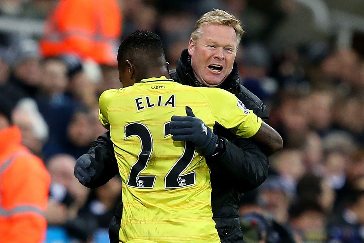 Eljero Elia embraces Saints boss Ronald Koeman after his first goal for the club