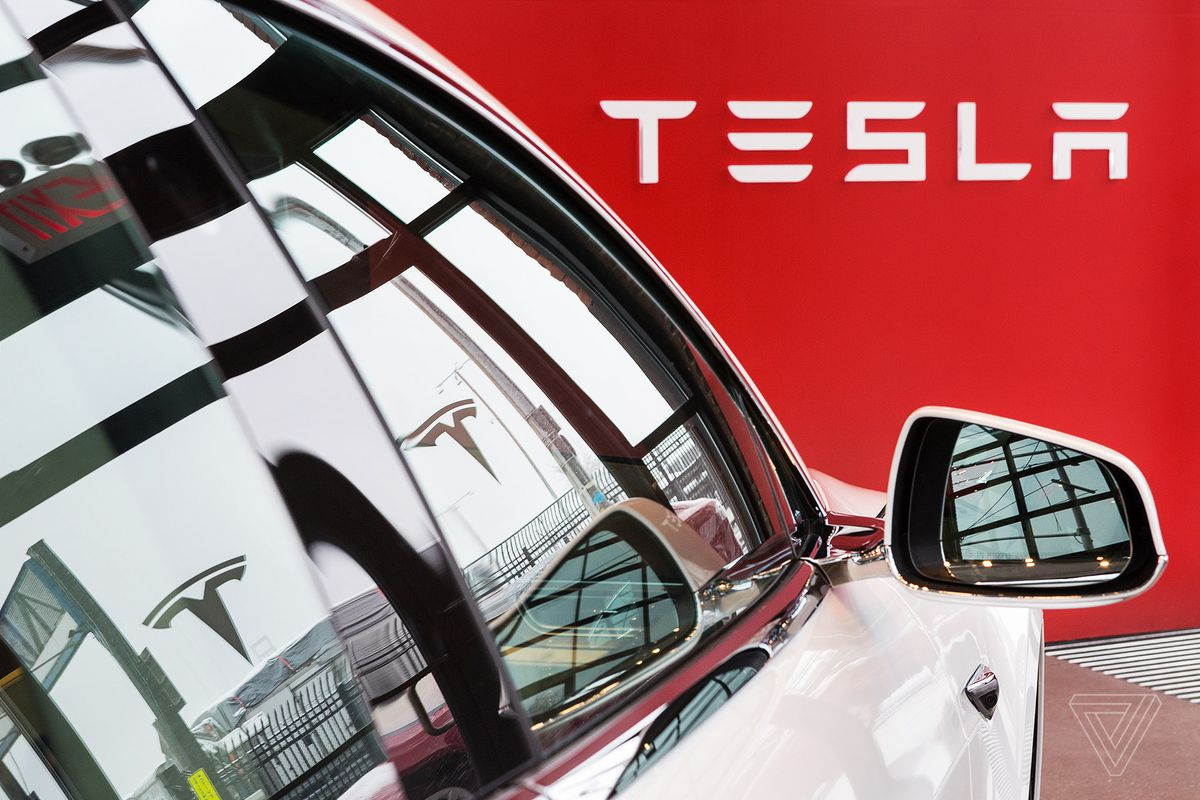 Tesla sees record quarterly loss