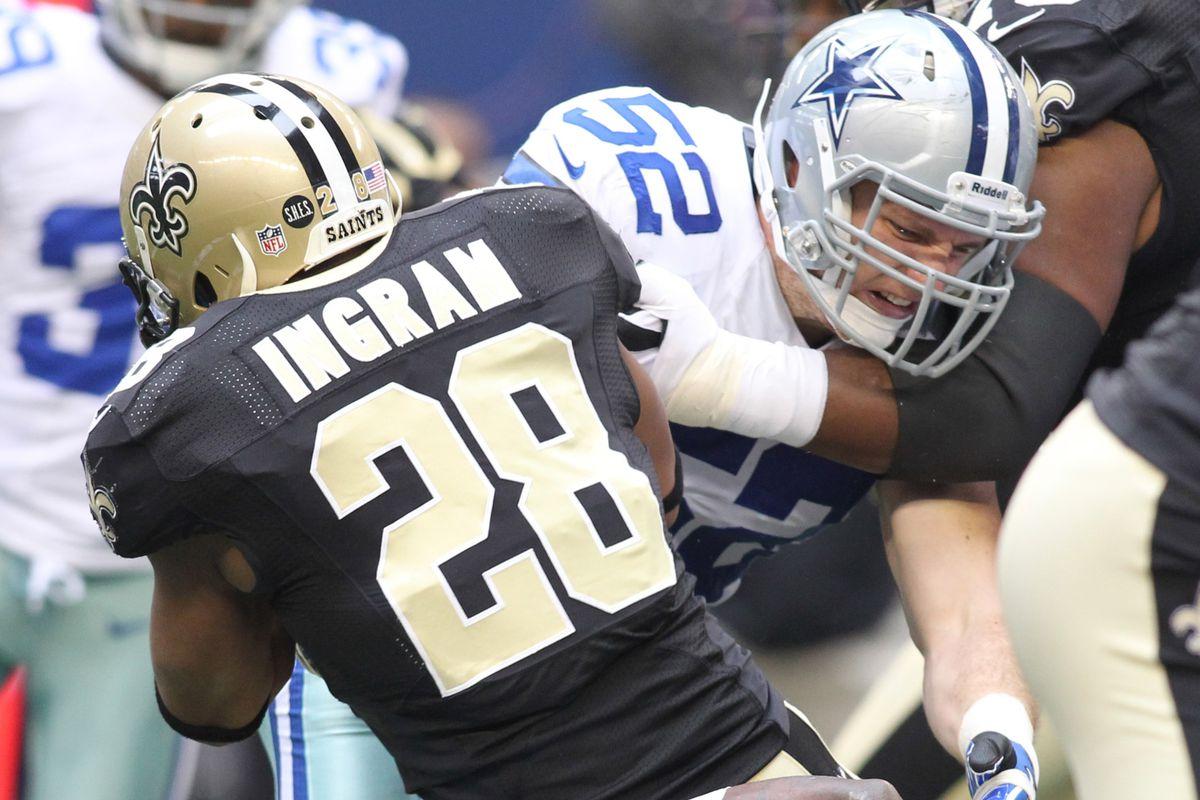 Dan Connor makes a tackle