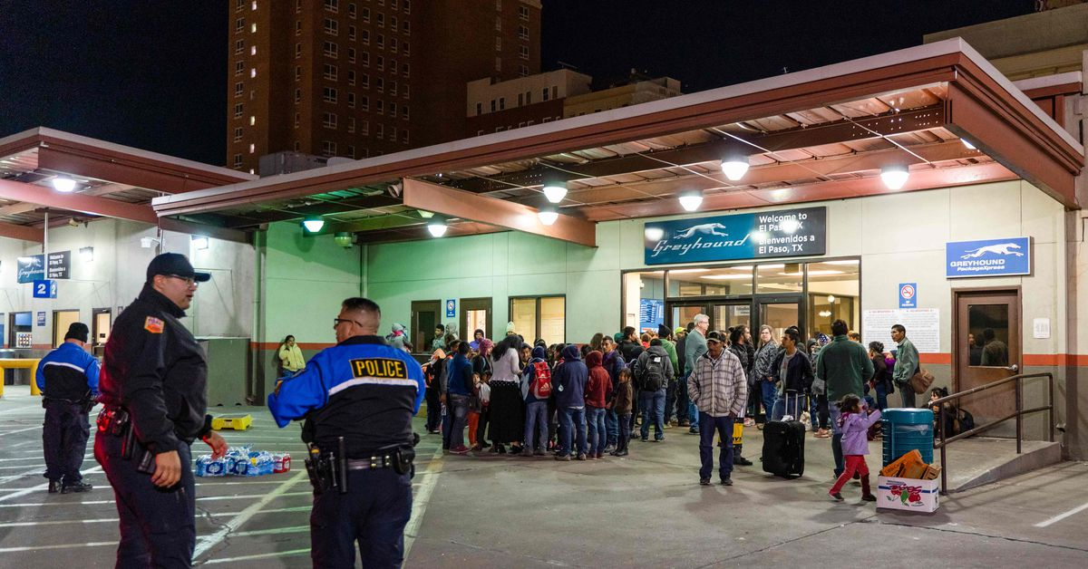 Greyhound will no longer consent to warrantless searches by border patrol agents