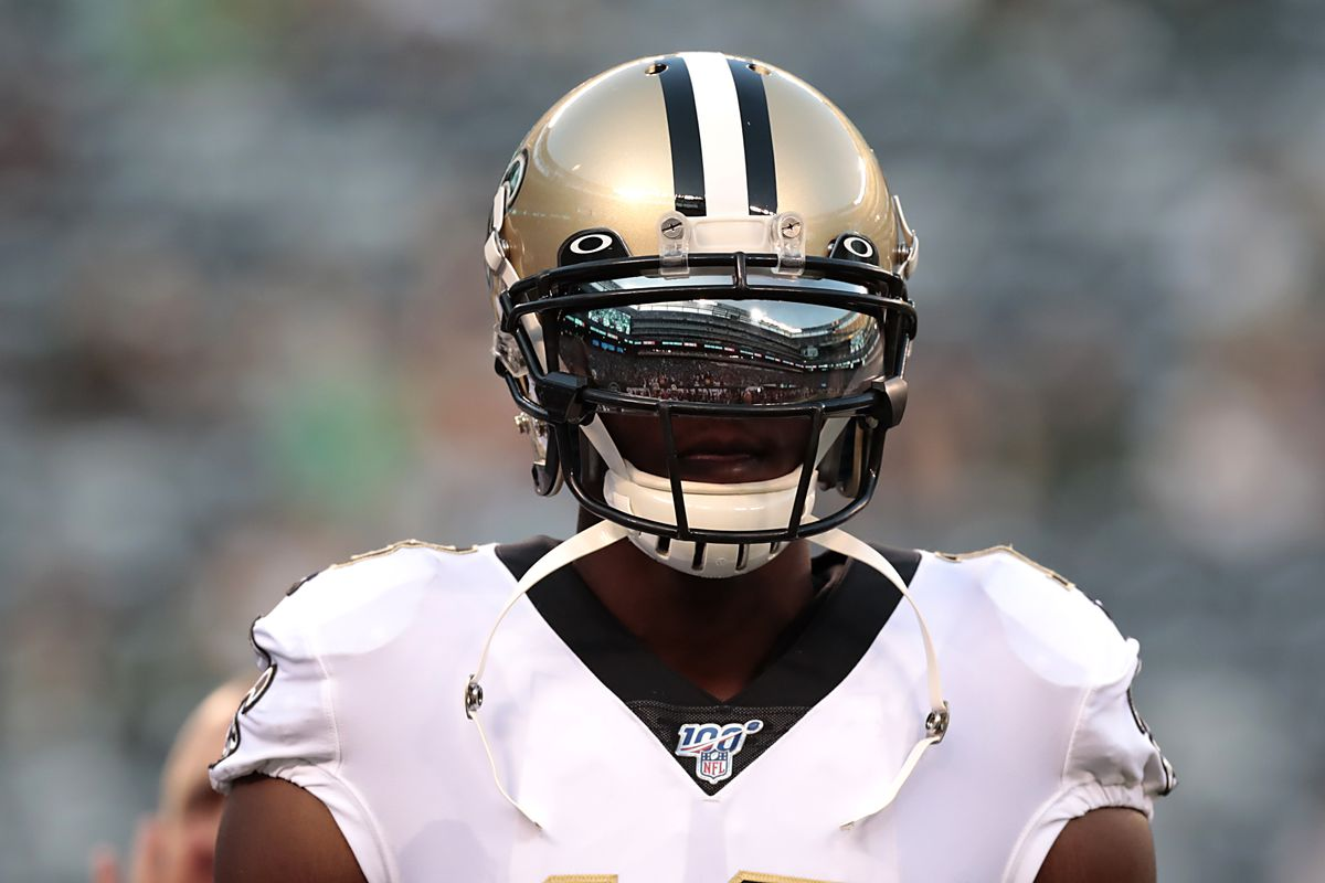 New Orleans Saints wide receiver Michael Thomas warms up before playing against the New York Jets at MetLife Stadium.