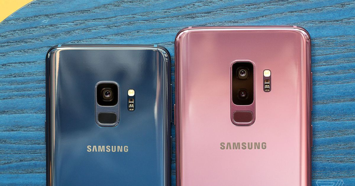 Samsung opens world's biggest phone factory in India