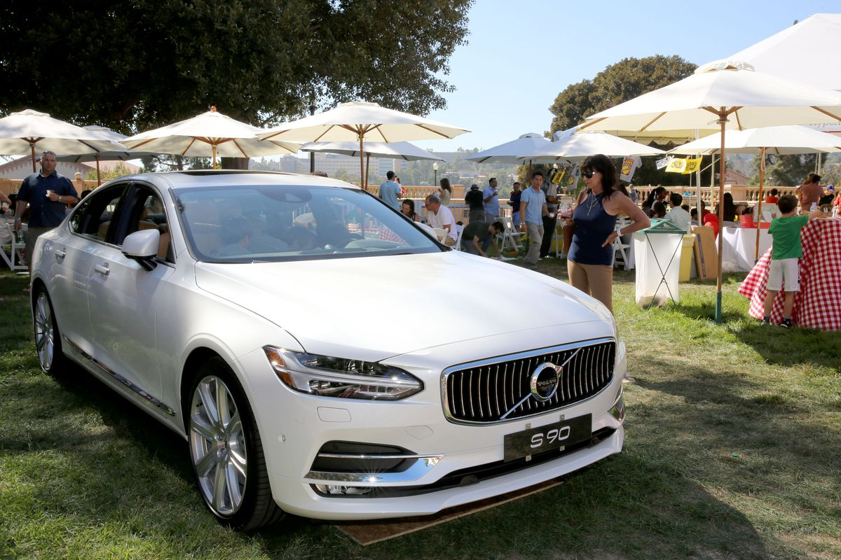 Every New Volvo Will Be A Hybrid Or Electric Car After Vox