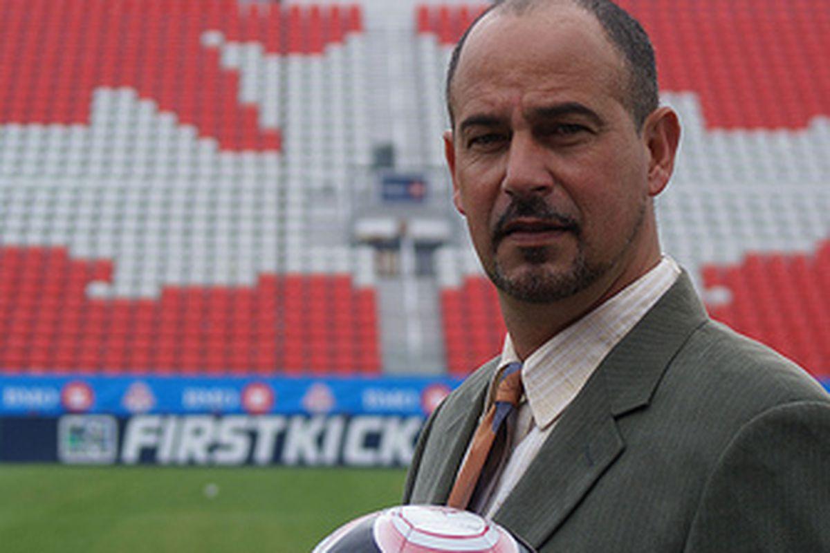 """Check out my ball Toronto"" (via <a href=""http://www.flickr.com/photos/canadasoccer/4525383371/lightbox/"">canadasoccer</a>)"