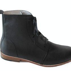 <b>Zuriick</b> boots