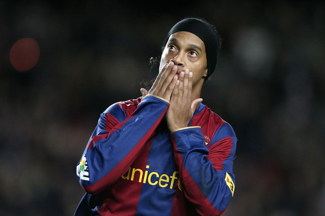 Barcelona legends: How Ronaldinho lit up the Camp Nou