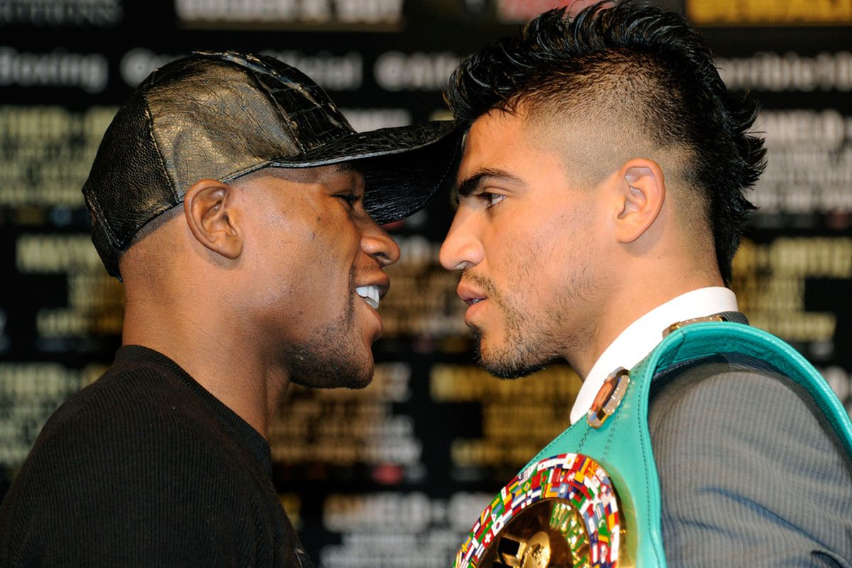 It's fight time for Floyd Mayweather Jr and Victor Ortiz. (Photo by Ethan Miller/Getty Images)