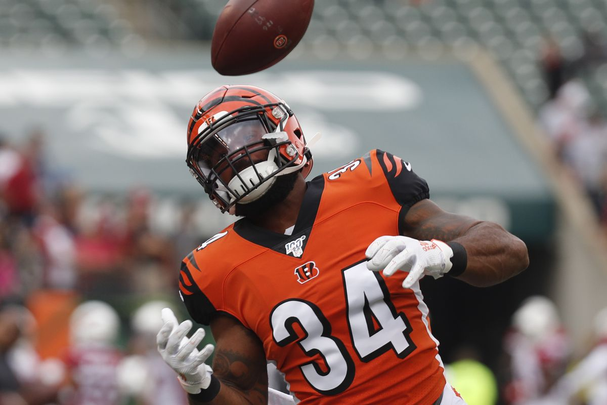 Bengals add Samaje Perine to practice squad and cut Dino Boyd
