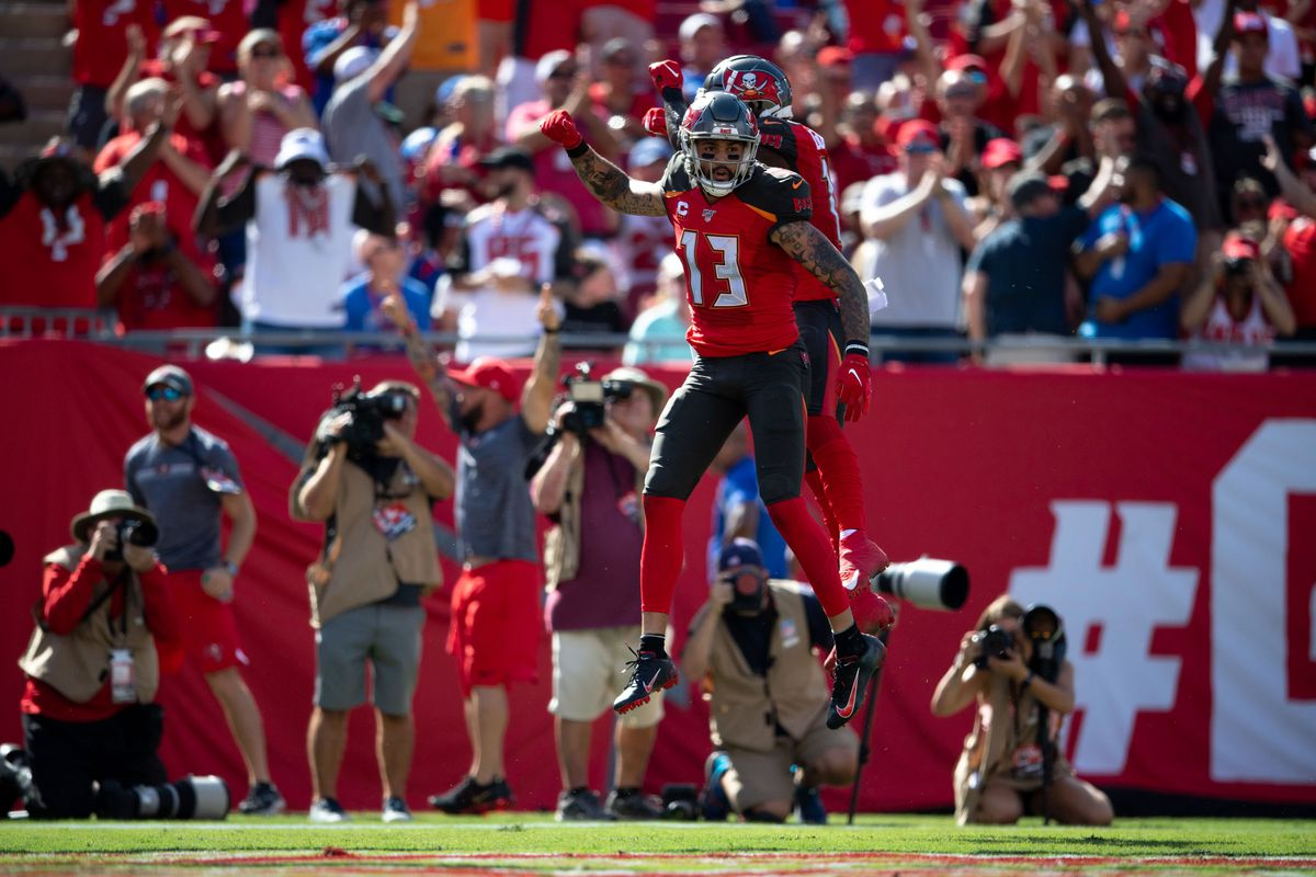 Mike Evans Chris Godwin Fantasy Football Stats Bucs Receivers Held To A Combined One Catch In First Half Vs Saints Draftkings Nation