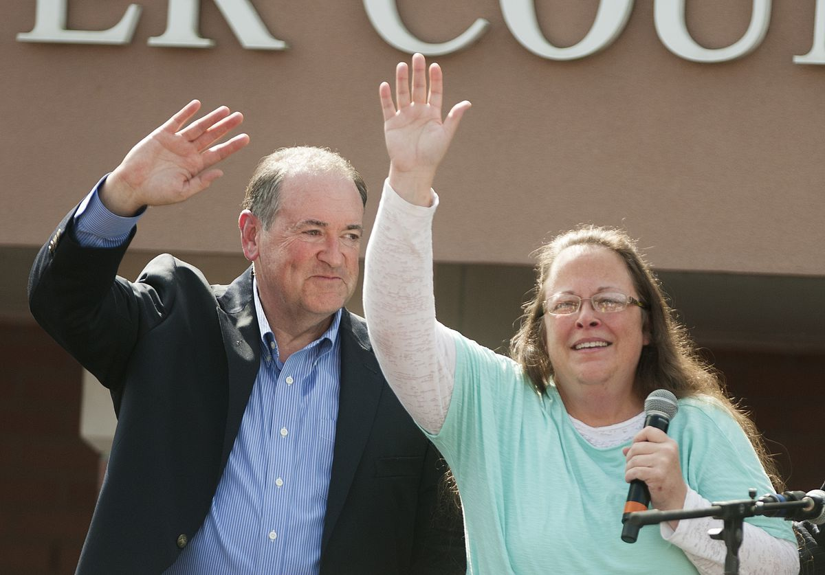 Mike Huckabee Holds Rally in Support of Jailed Clerk Kim Davis in Kentucky