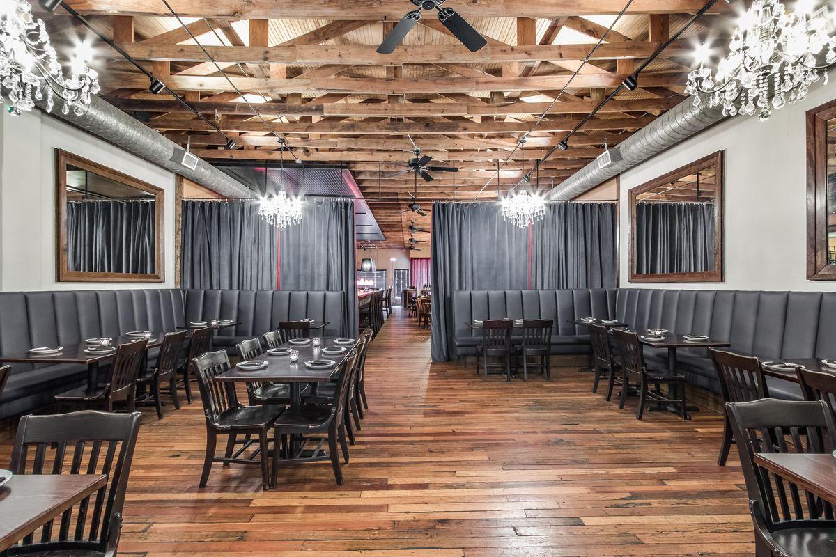 The back dining room at Vino Vino