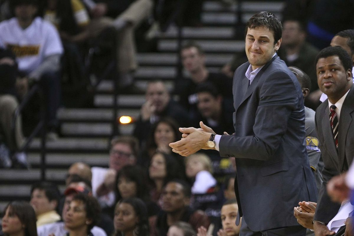Warriors' fans are sick of looking at Bogut in a suit.