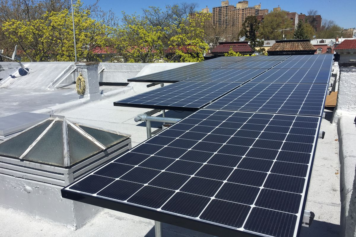 how to install solar panels on the roof of your home - curbed