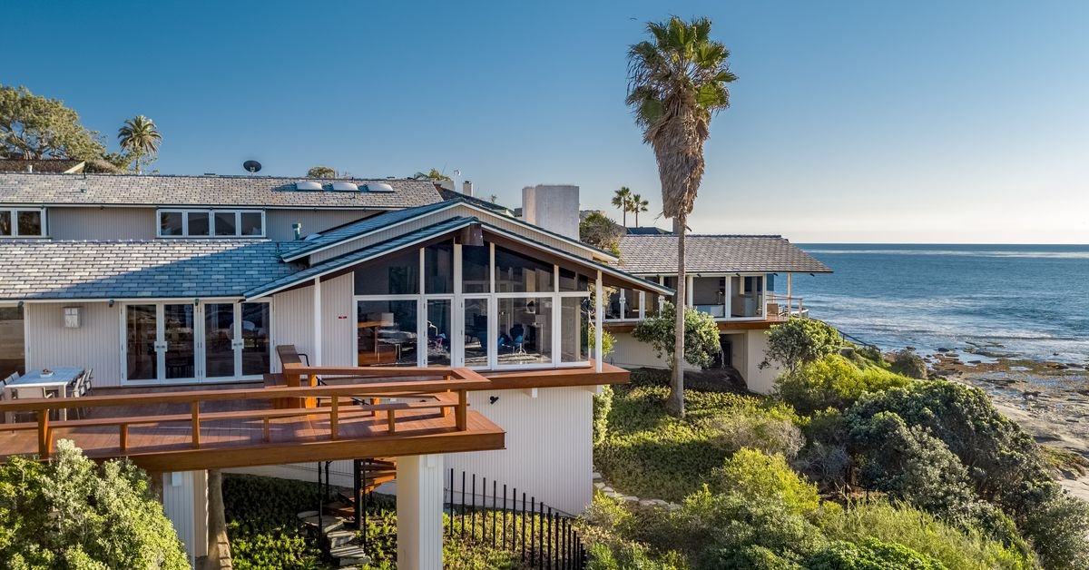 Oceanfront home by Frank Lloyd Wright apprentice asks $14.9M