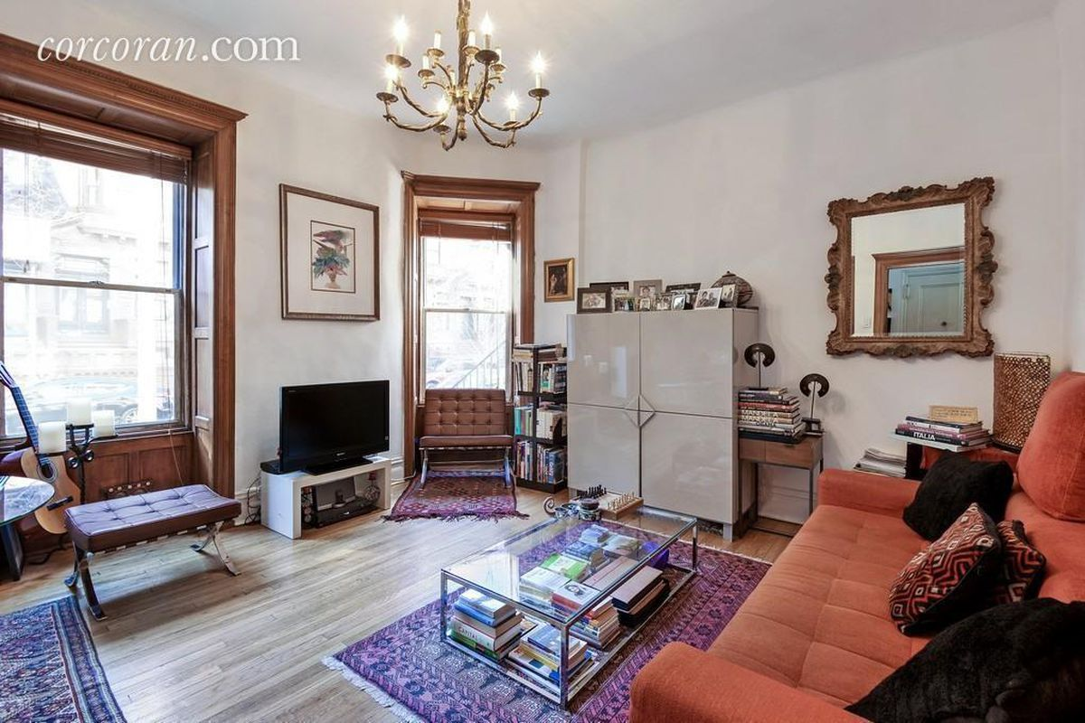 In harlem a pre war apartment with spruced up interiors for Apartments for sale harlem