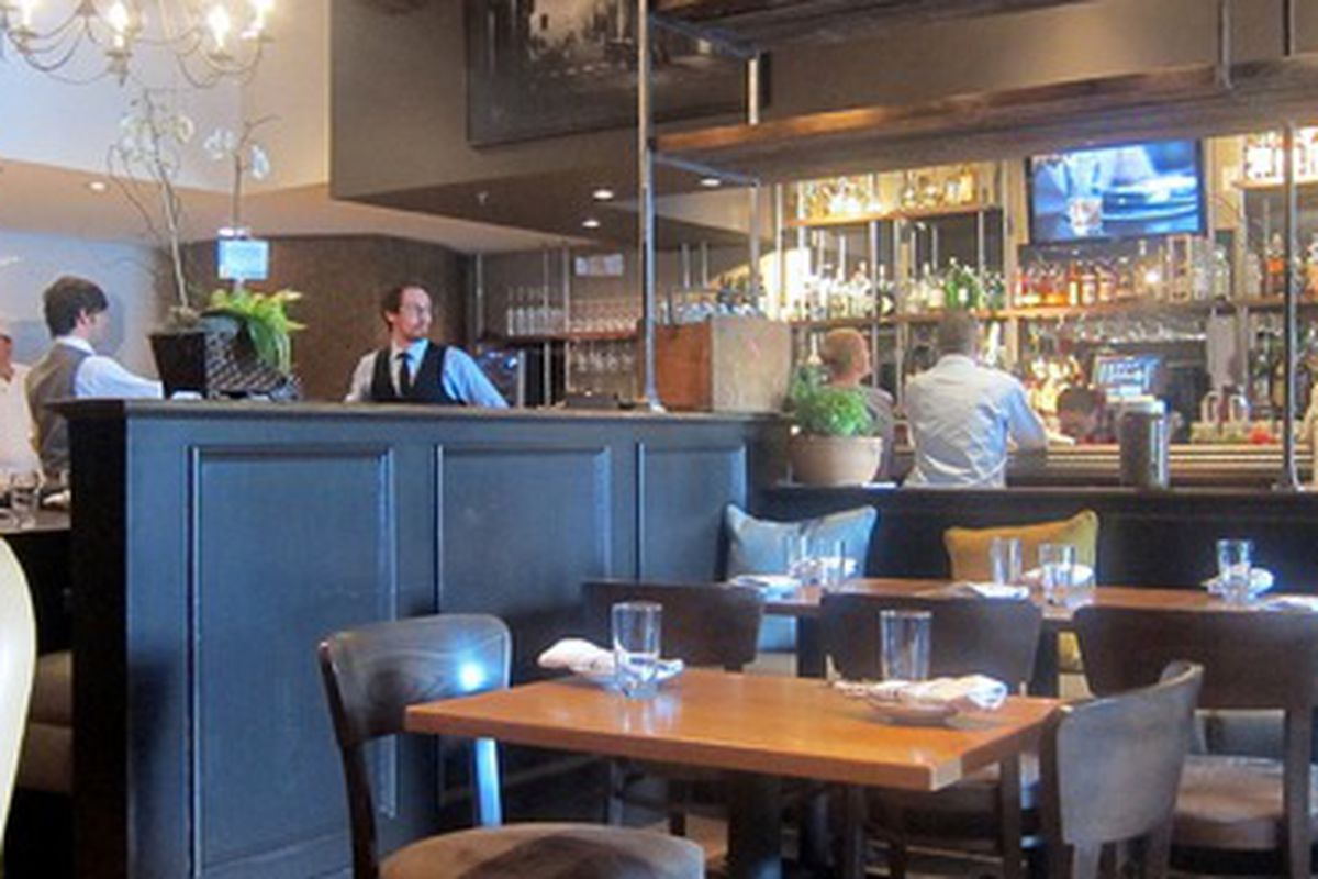 The dining room at Cibo E Beve