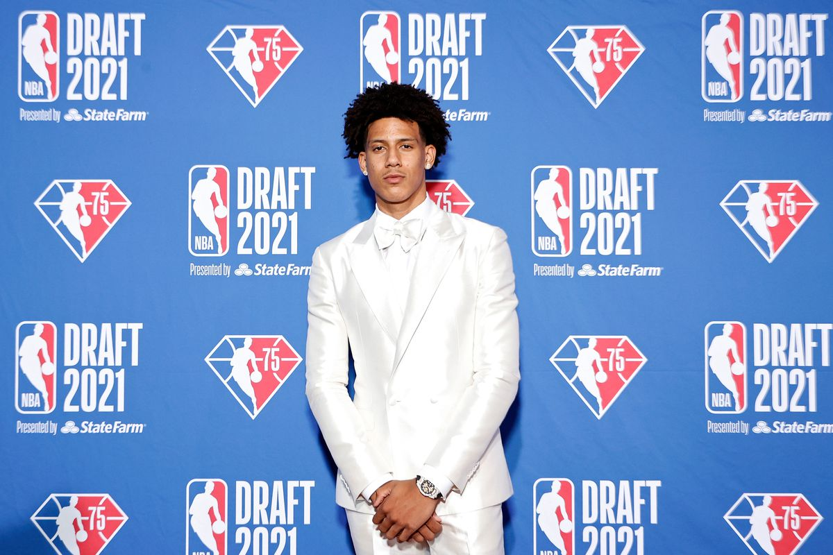 Jalen Johnson poses for photos on the red carpet during the 2021 NBA Draft at the Barclays Center on July 29, 2021 in New York City.