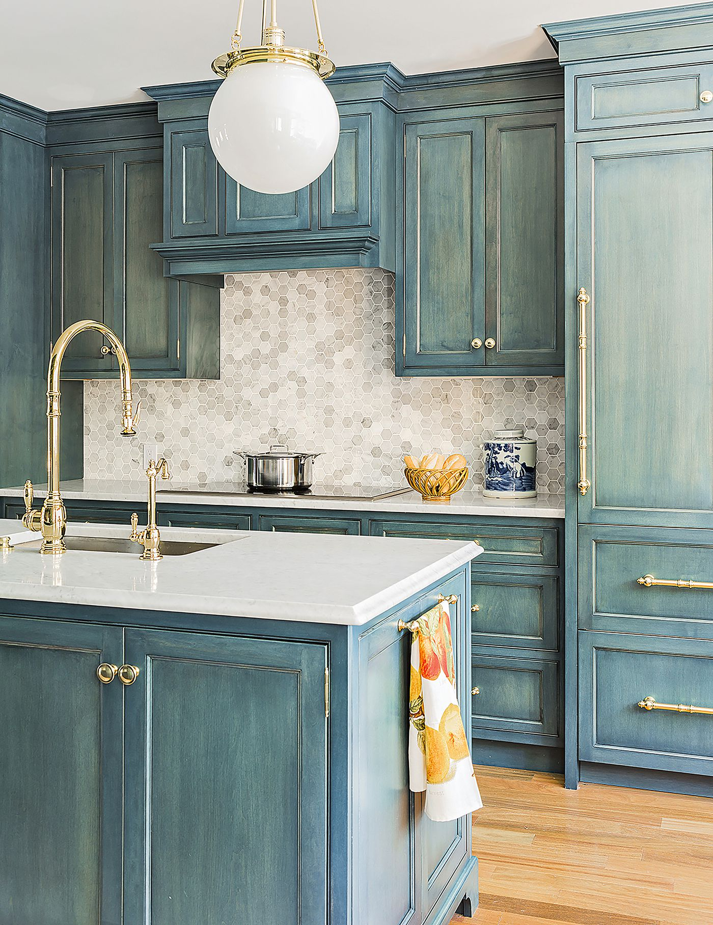 How To Paint Kitchen Cabinets This