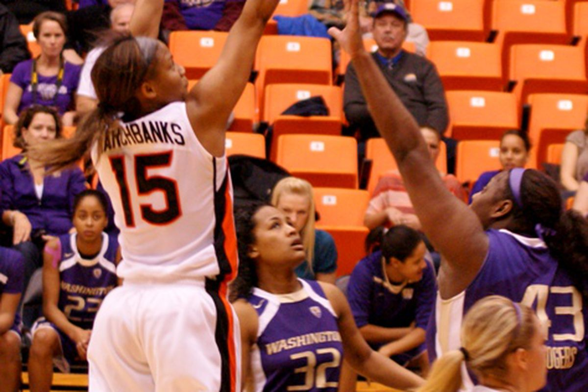 Oregon St. senior Earlysia Marchbanks posted a 20 point 12 rebound double double, but it wasn't enough to overcome Washington in the WNIT. <em>(Photo by Andy Wooldridge)</em>