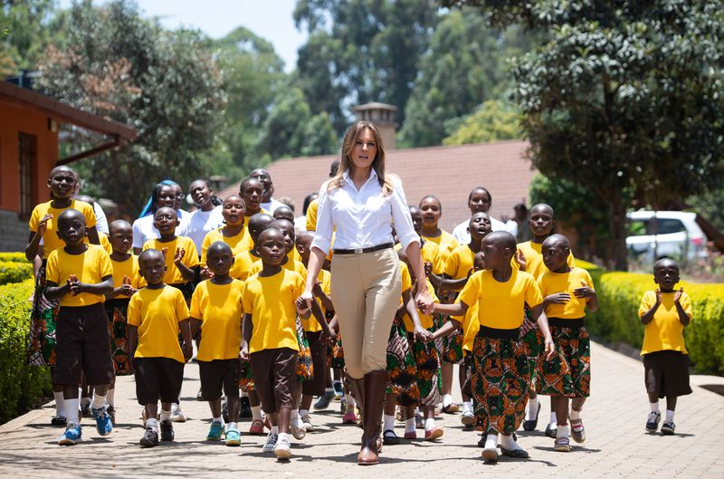 GettyImages_1045908568 Here's why people are mad about Melania Trump's safari outfit