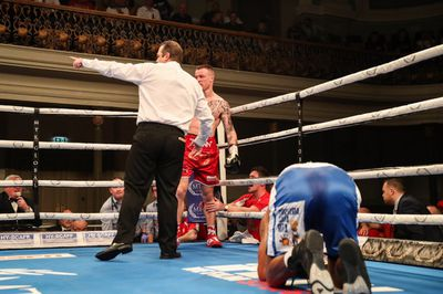 MTKGlobal 2019 May 17 - Burnett returns with stoppage win over Gomera, McCullough knocks out Geraghty
