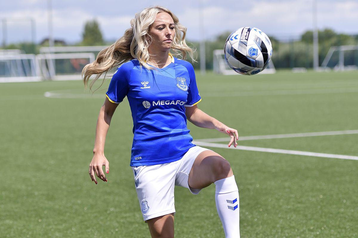 Everton Women Unveil New Signing Toni Duggan