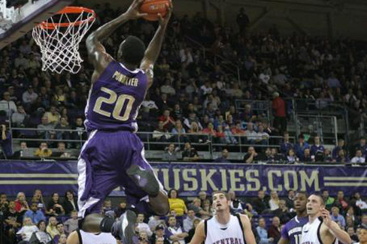 Quincy Pondexter throws down an alley-oop in Washington's exhibition win over Central Washington.