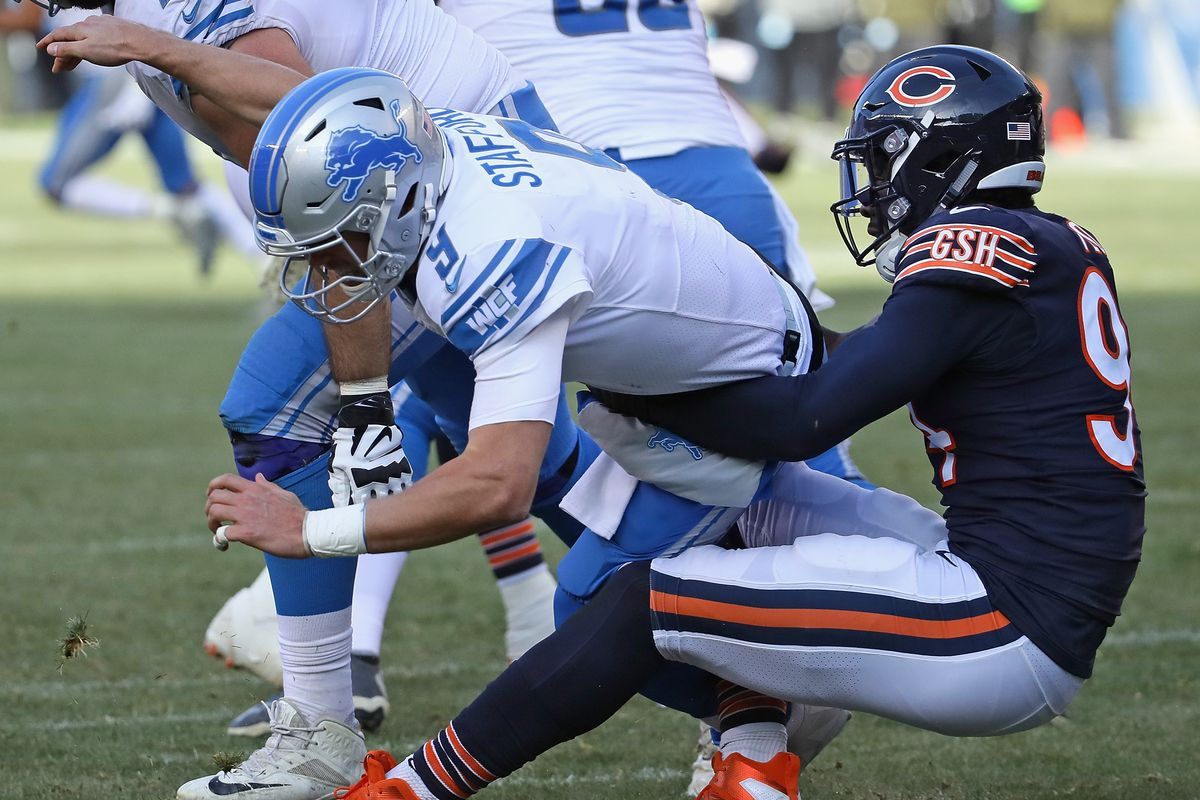 Leonard Floyd  94 of the Chicago Bears sacks Matthew Stafford  9 of the  Detroit Lions at Soldier Field on November 11 e18972b98
