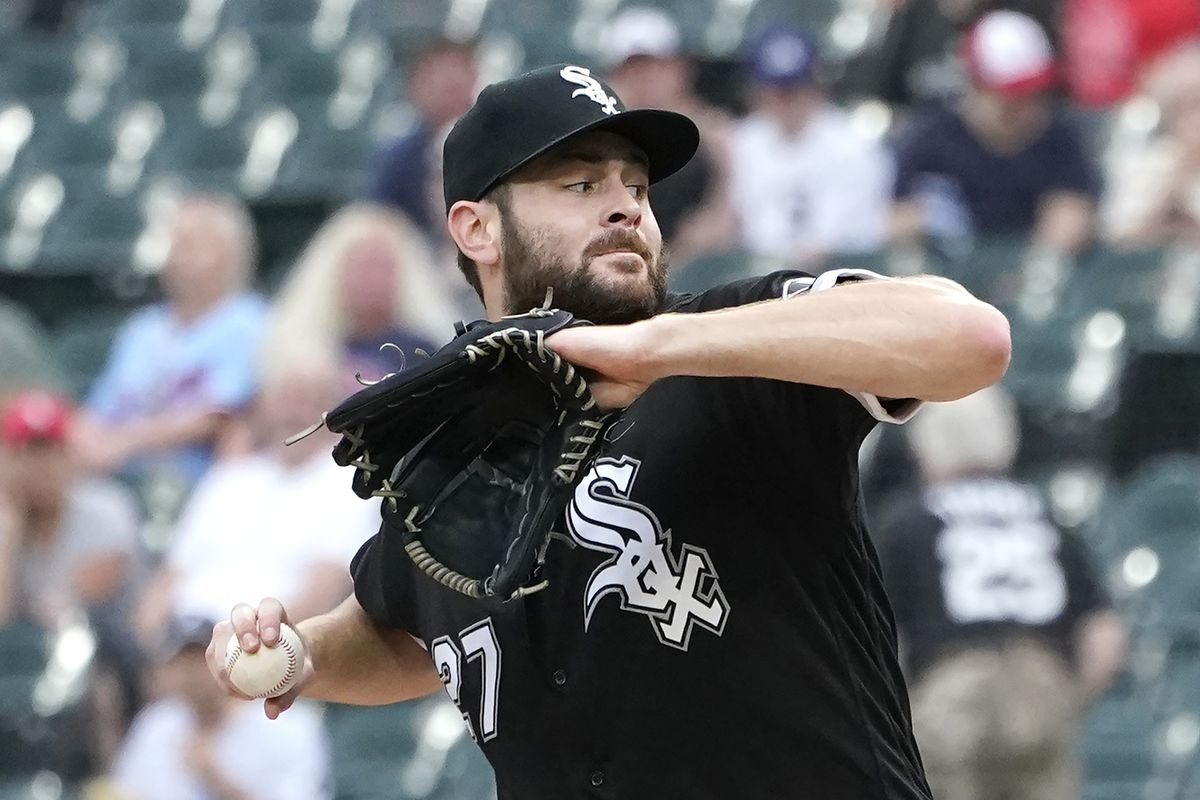 White Sox pitcher Lucas Giolito delivers during the first inning Tuesday.