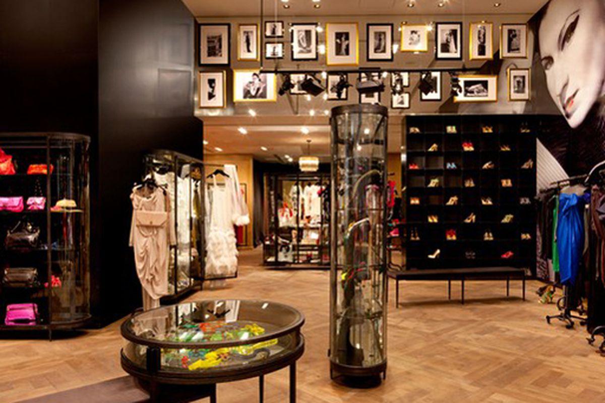 "Lanvin's new Vegas boutique via <a href=""http://www.wwd.com/retail-news/lanvin-heads-west-to-las-vegas-2520755?browsets=1268059489720"">WWD</a>"