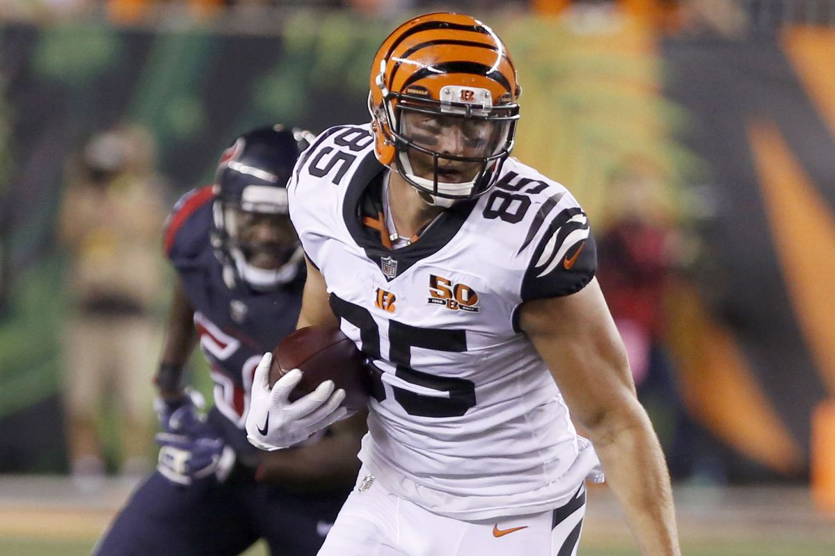 Bengals injury news Tyler Eifert dealing with 2 injuries heading