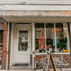 """<b>↑</b>The reason <a href=""""http://www.amarcordvintagefashion.com/""""><b>Amarcord</b></a> (223 Bedford Avenue) stands out among the many other vintage shops in Williamsburg—and even New York as a whole—is simple: its inventory. It's thoughtfully chosen to i"""