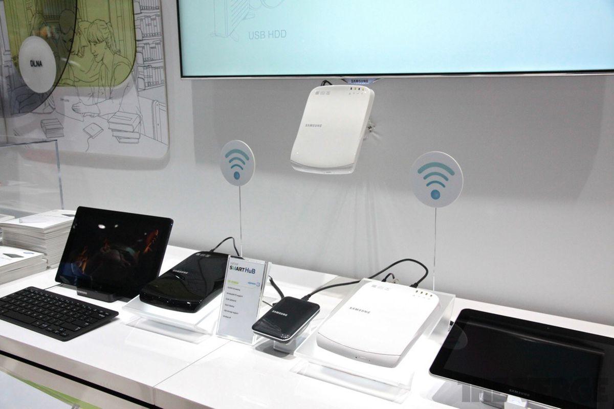 Gallery Photo: Samsung Optical SmartHub hands-on