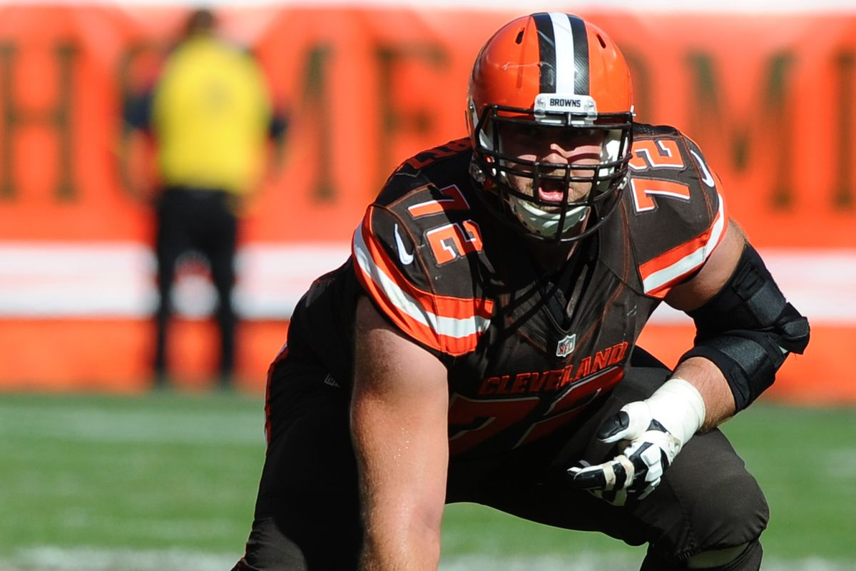Chiefs land OT Mitchell Schwartz with 5 year deal after Browns