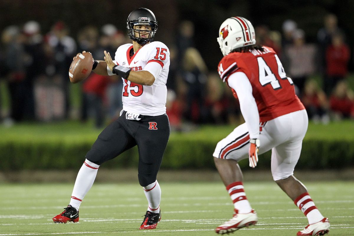 LOUISVILLE, KY - OCTOBER 21:  Gary Nova #15 of the Rutgers Scarlet Knights throws a pass during the game against the Louisville Cardinals at Papa John's Cardinal Stadium on October 21, 2011 in Louisville, Kentucky.  (Photo by Andy Lyons/Getty Images)