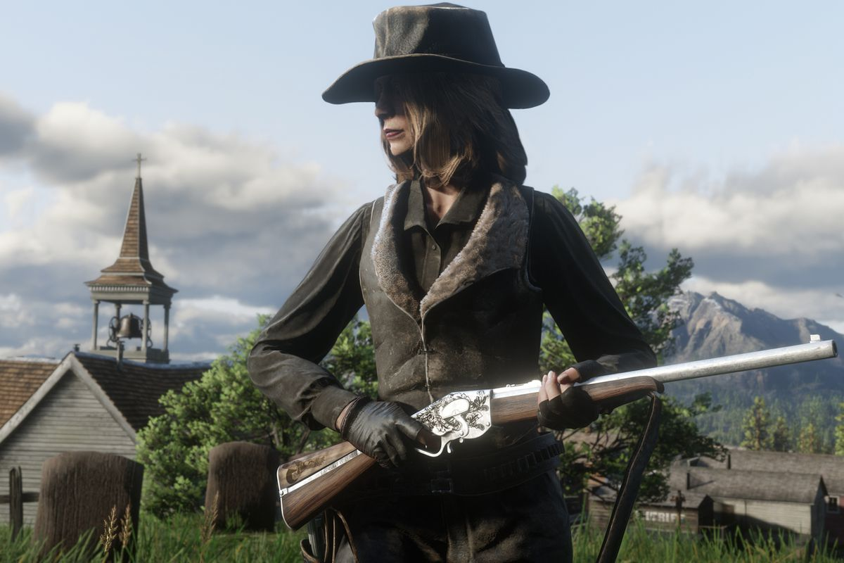 A woman holds the new Evans Repeater rifle in a screenshot from Red Dead Online.