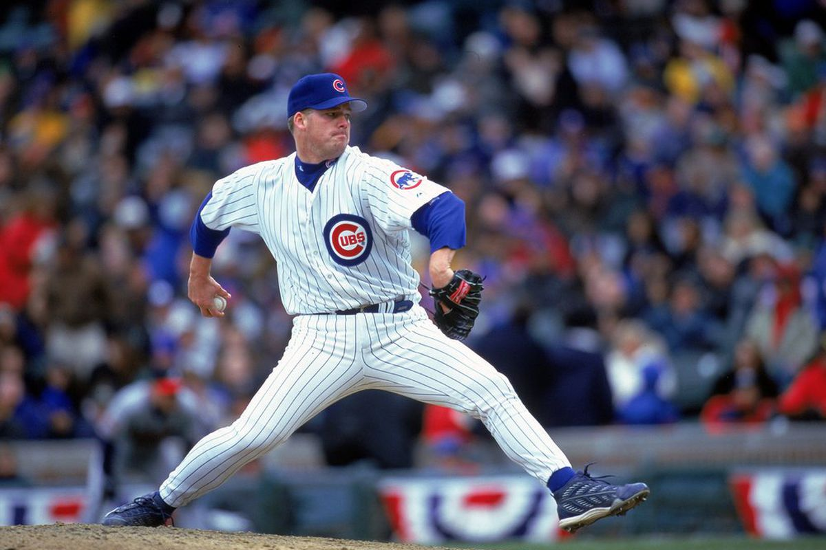 Jon Lieber of the Chicago Cubs winds up to pitch the ball during the game against the Atlanta Braves at Wrigley Field in Chicago, Illinois on April 10, 2000. The Cubs defeated the Braves 4-3. (Photo: Jonathan Daniel/Getty Images)