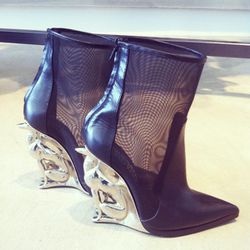 OMG shoes, for real. These are by David Koma - and we want them. Bad.